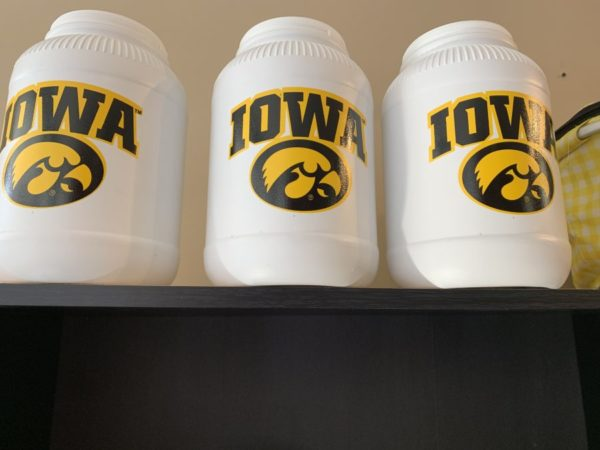 Iowa Hawkeyes Tub of Carmel Corn - Shop Iowa - shopiowa.com - Marketplace website for Iowa's Brick & Mortar Retailers