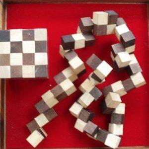 King Snake Game- Shop Iowa - shopiowa.com - Marketplace website for Iowa's Brick & Mortar Retailers