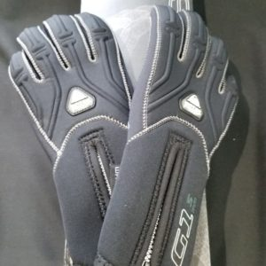 Water Proof 5mm dive gloves. Small, Medium, Large & Extra Large.