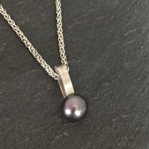 Dyed Freshwater Pearl Pendant in Sterling silver
