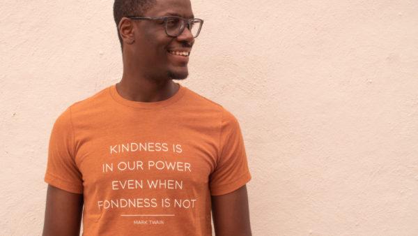 Kindness Mark Twain– Unisex Short Sleeve Tee