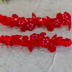 Wedding garter set. Red, elegant, and sassy!