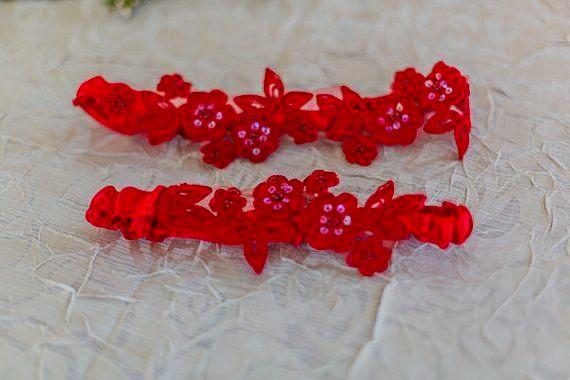 Wedding garter set. Red, elegant, and sassy!
