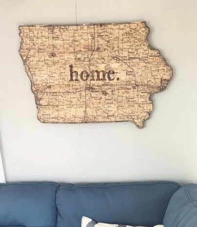 """Iowa map on 3/4"""" pine wood – 2 sizes available"""