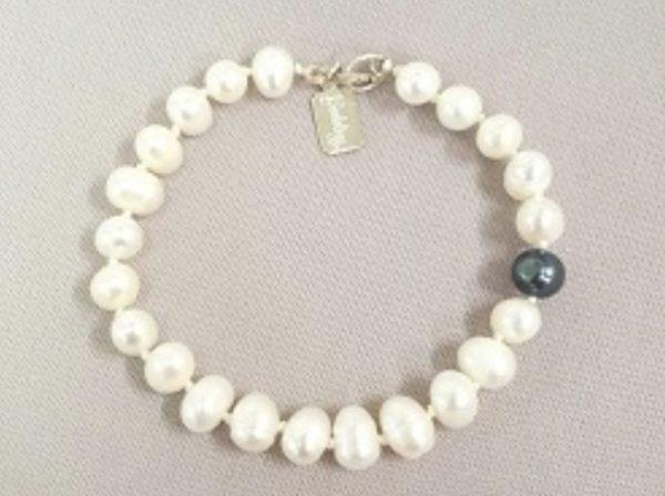 Fresh Water Pearl Bracelet on shopiowa.com