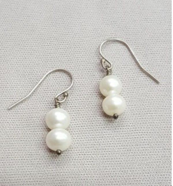Fresh Water Pearl Earrings on shopiowa.com