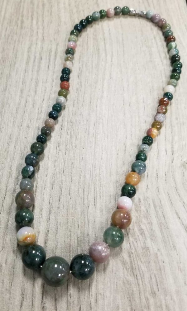 Natural Agate Stone Necklace with Graduated Stone Beads