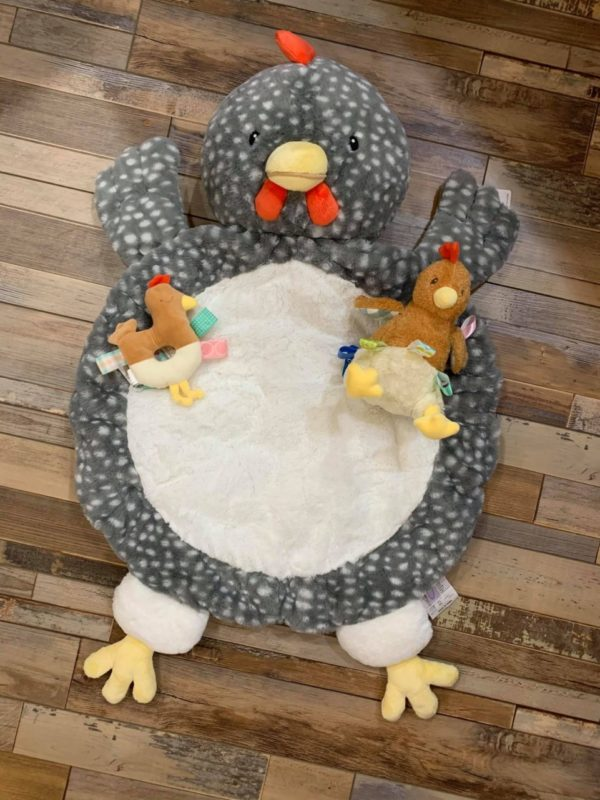 Get EGGcited About These Gift Items – Chicken Gift Set