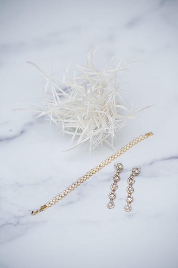 gold & pearl earrings -mco