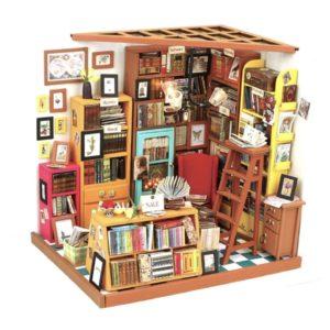 Miniature DIY Dollhouse - Sam's Study