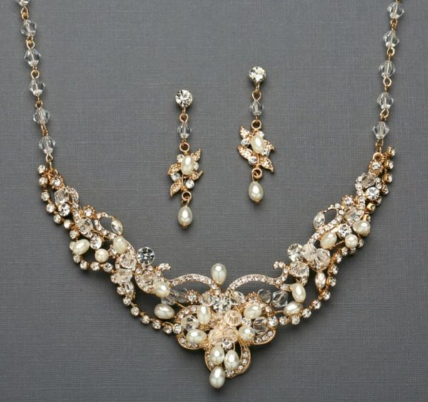 Gold necklace set -mco