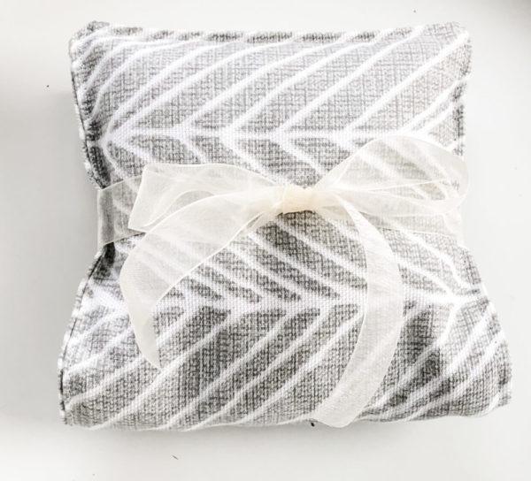 Lavender Aromatherapy Eye Pillow – Dreamy Dove