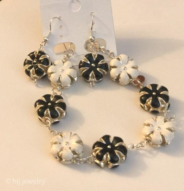 Black & White Garden 7.5 – Matching Bracelet & Earrings