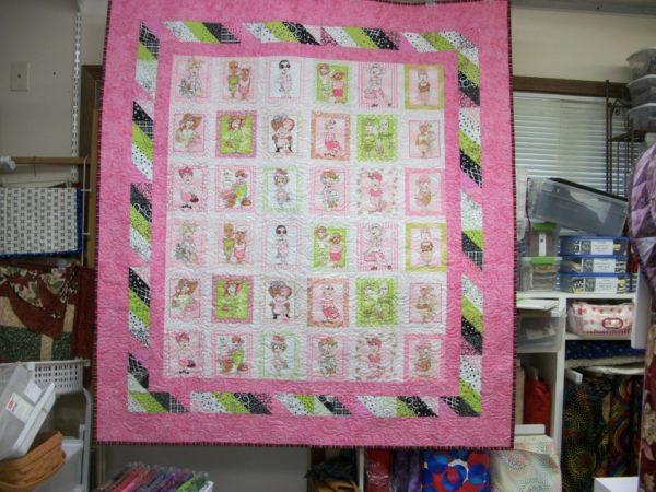 So Many Ladies Quilt Kit