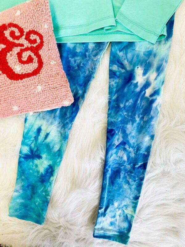 blue tie dye leggings