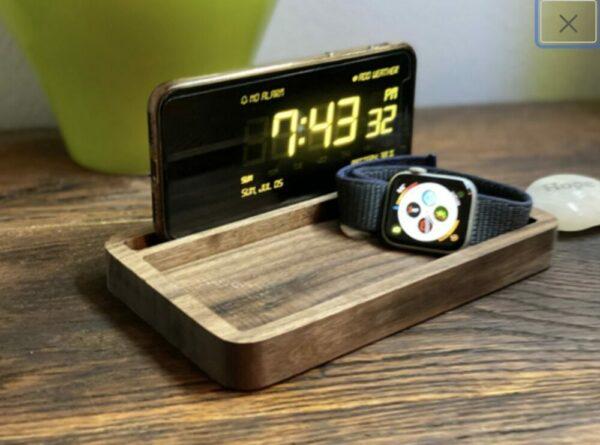 Wood Smartphone Stand