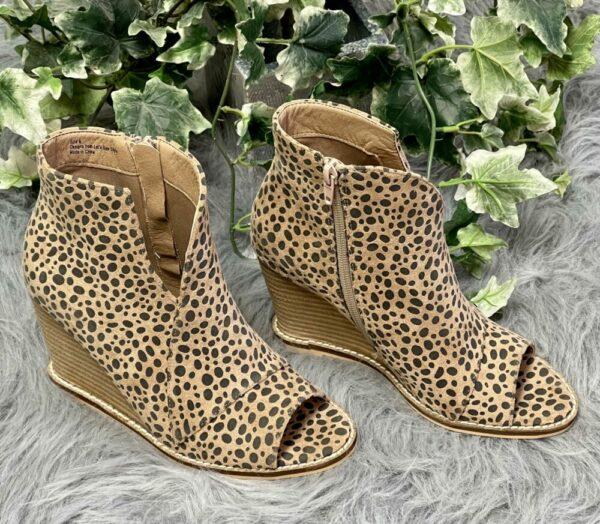 Cheetah Wedge