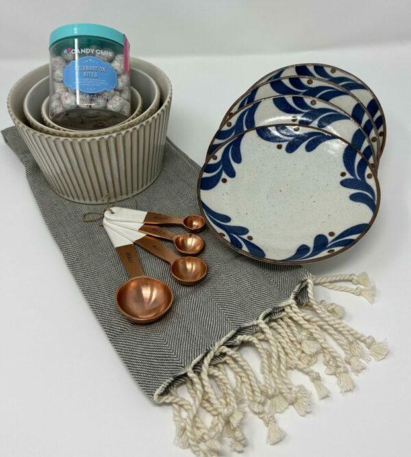 Housewarming Deluxe Gift Basket