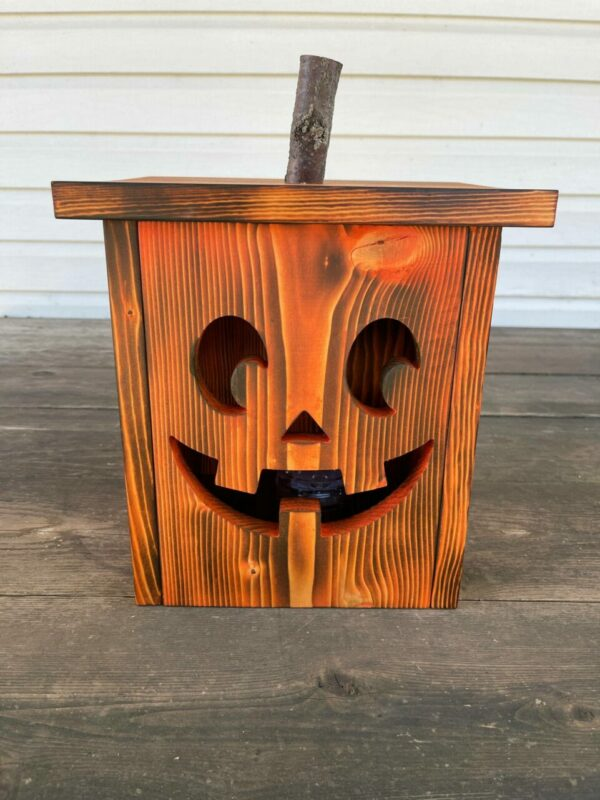 Joe – Wooden Jack-O-Lantern with Indoor/Outdoor Remote Controlled LED Light