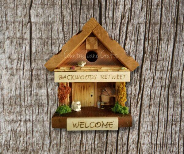 Backwoods Retweet Log Cabin Style Birdhouse