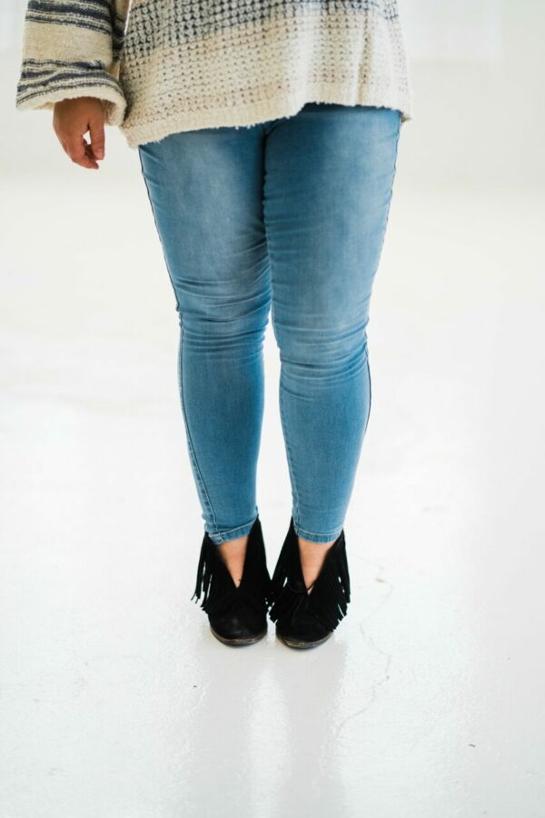 Walk This Way High Rise Jeggings In Light Wash