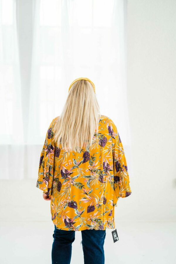 Paradise Awaits Kimono Top