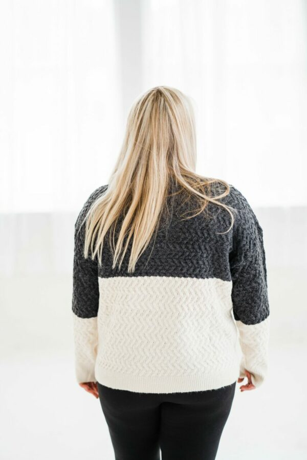 Concentrated Heart Sweater In Charcoal