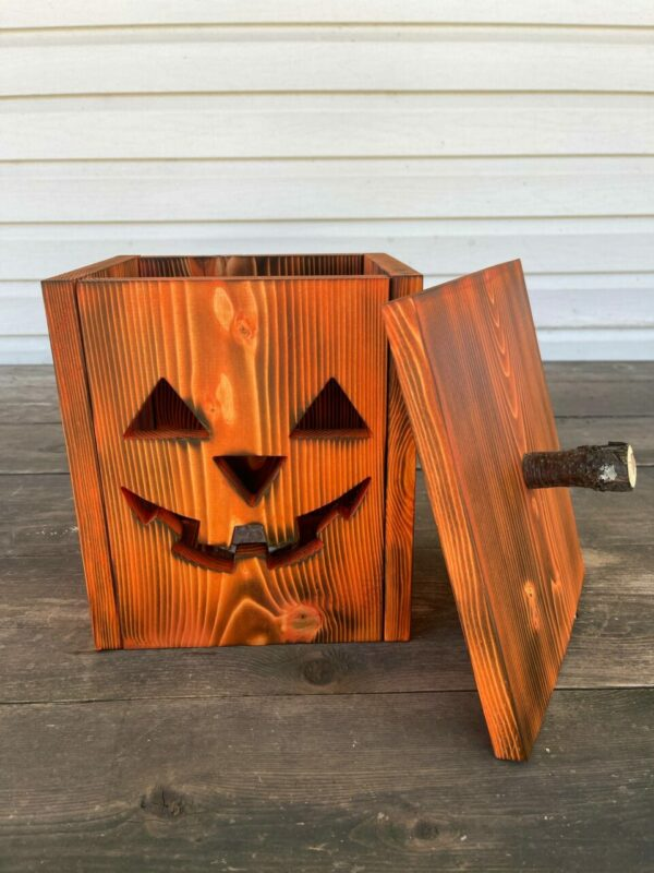 Jill – Wooden Jack-O-Lantern with Indoor/Outdoor Remote Controlled LED Light